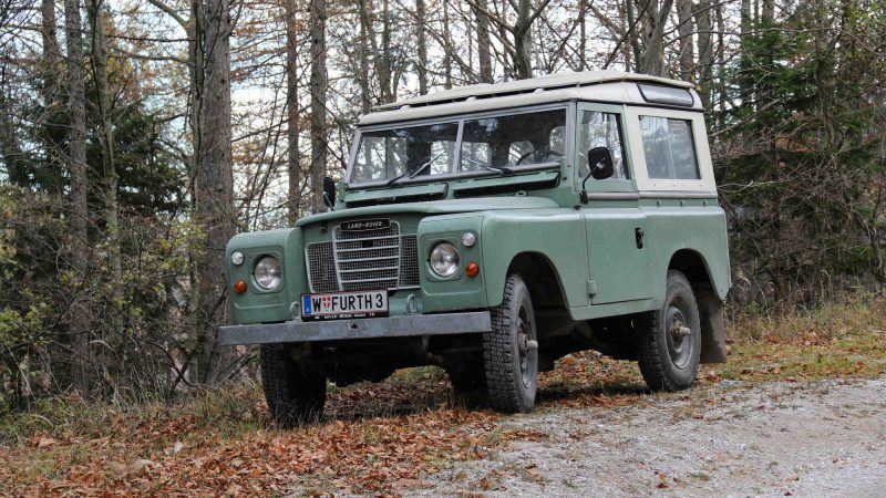Land Rover Series III Model 88